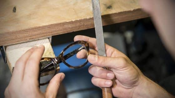 Seguiamo e rispettiamo i valori tradizionali dell'occhialeria